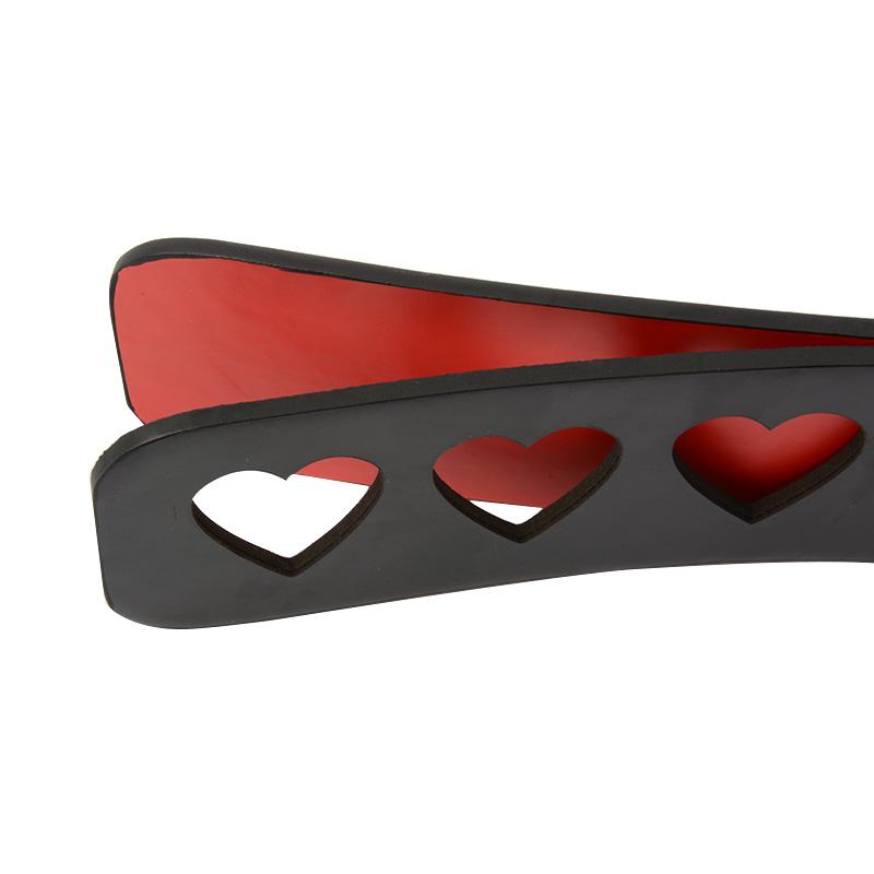 Пэдл черный с красными сердечками