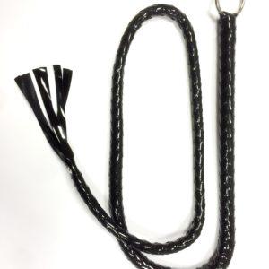 Чёрный лакированный кнут с кольцом