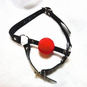 Кляп-шар красный с фиксацией подбородка