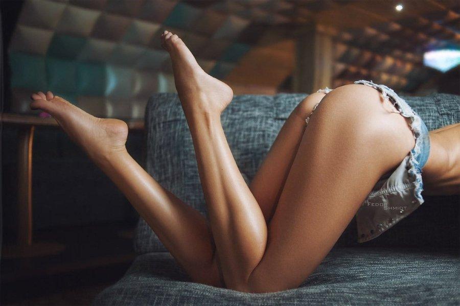 Спортивные женские ноги